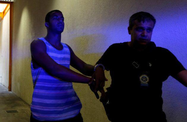 O que sabemos sobre a investigação do estupro coletivo de uma menina de 12 anos no Rio de