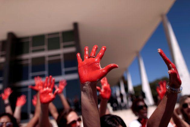 Menina de 12 anos pode não ter sido única vítima de estupro coletivo no Rio, aponta
