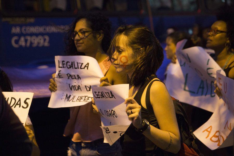 Brasil investiu de forma inadequada para conter Zika, diz Human Rights
