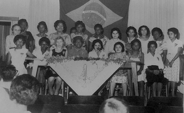 Registro da líder sindical reunida com mulheres domésticas em