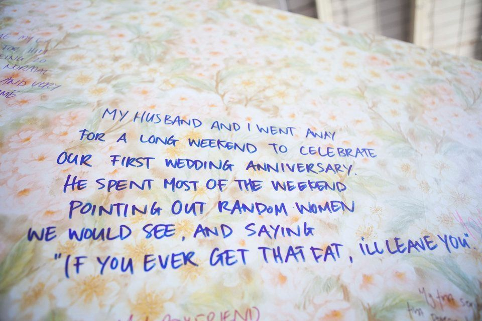 'Muro das Humilhadas': Mulheres contam experiências horríveis de humilhação e