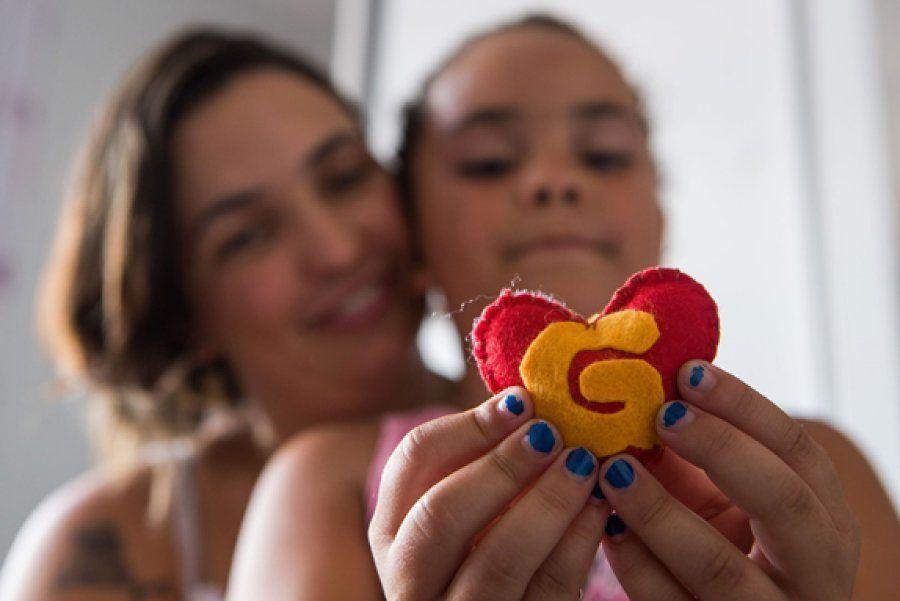 Laura criou expectativas durante a gravidez de Jordana pela chegada do irmãozinho que tinha um tumor...