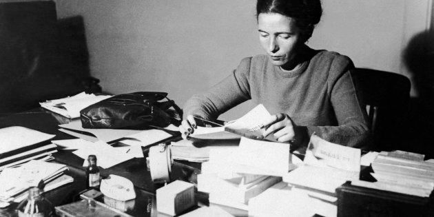 Ícone do pensamento filosófico feminista e uma das principais representantes do movimento existencialista...