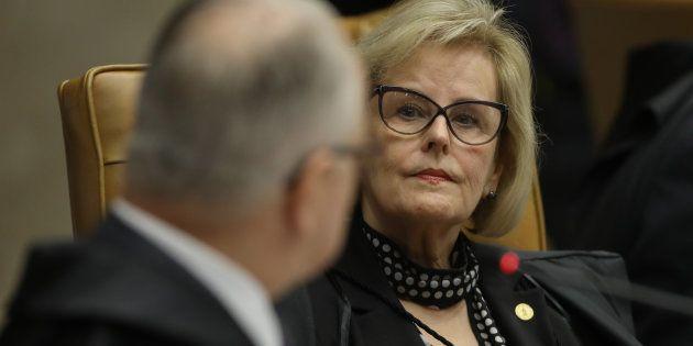 A ministra Rosa Weber, que tinha em suas mãos o voto considerado decisivo para o julgamento, negou o...