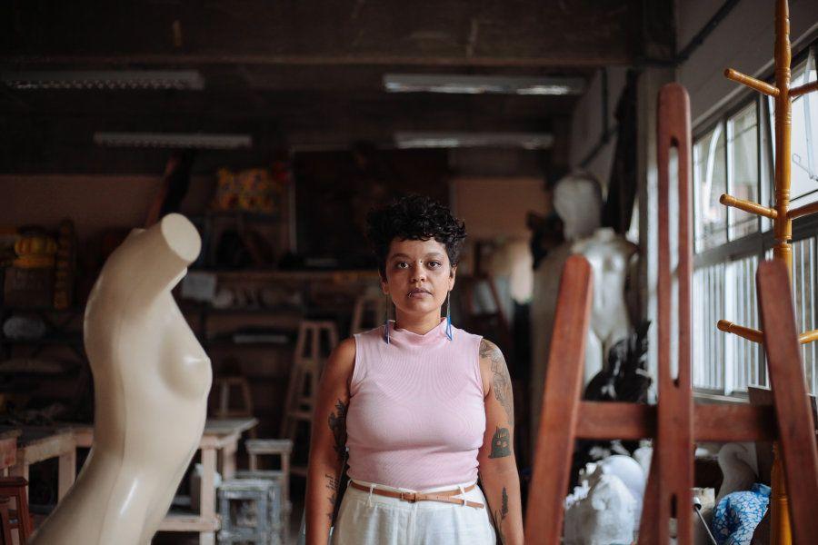 A aproximação com o feminismo e com as artes fez com que Ju se voltasse cada vez mais para as suas