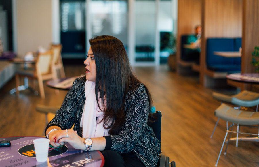 Ana Costa é assistente da diretoria de multinacional e muito querida por seus colegas de