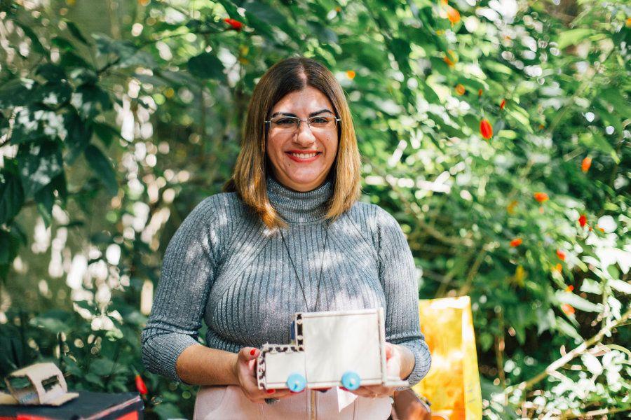 Projeto de Débora Garofalo já retirou mais de 500 kg de sucata das ruas do bairro e deu um novo destino...