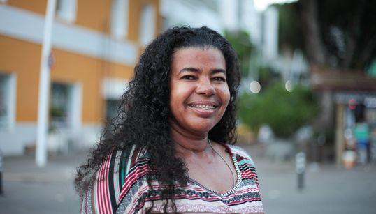 Geni Santos: A 'barraqueira' que faz do Porto da Barra o seu verdadeiro