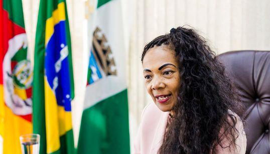 Tânia da Silva, a 1ª mulher negra que comanda a prefeitura de uma colônia alemã no
