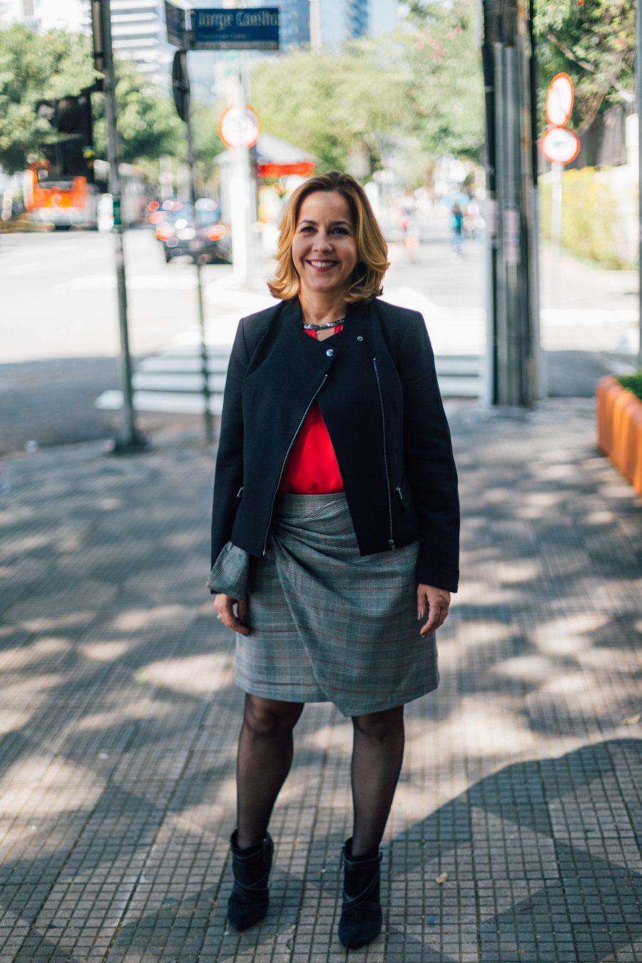 Já aos 38 anos, Simone assumiu pela primeira vez a gerência geral de uma empresa farmacêutica na