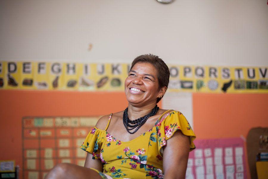 Foi na escola no centro de Brasília que ela aprendeu a se identificar com ela