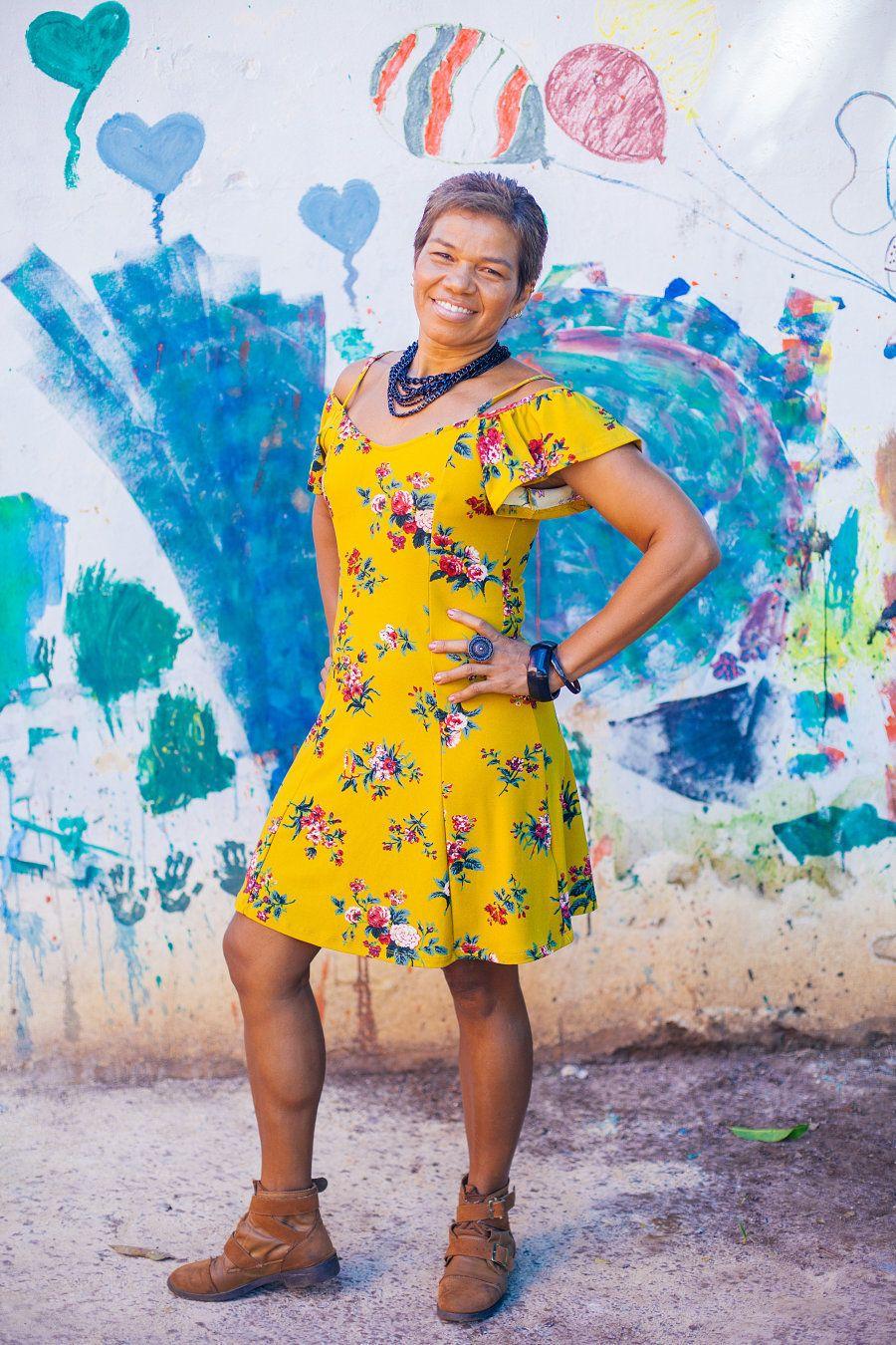 Sobre o ofício de professora, sua grande paixão, ela acredita em poder mostrar outros caminhos para construir...