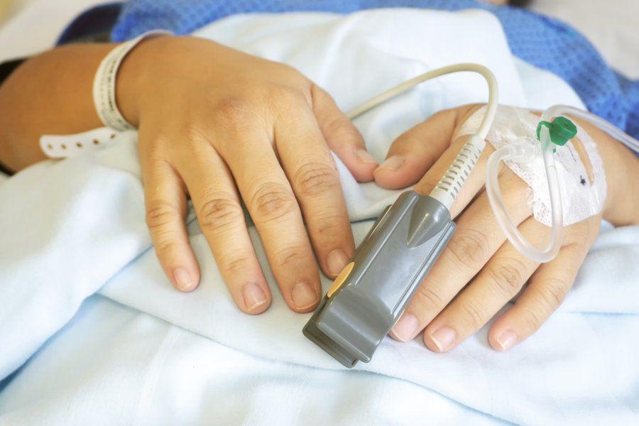 A cesárea eletiva triplica o risco de morte da mãe e aumenta em seis vezes o risco de a mulher ter uma...