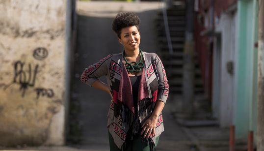 Fabíola Oliveira: A cristã que busca uma religião mais inclusiva e menos