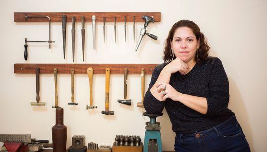 Ana Zulma: A designer de joias que usa o amor como principal