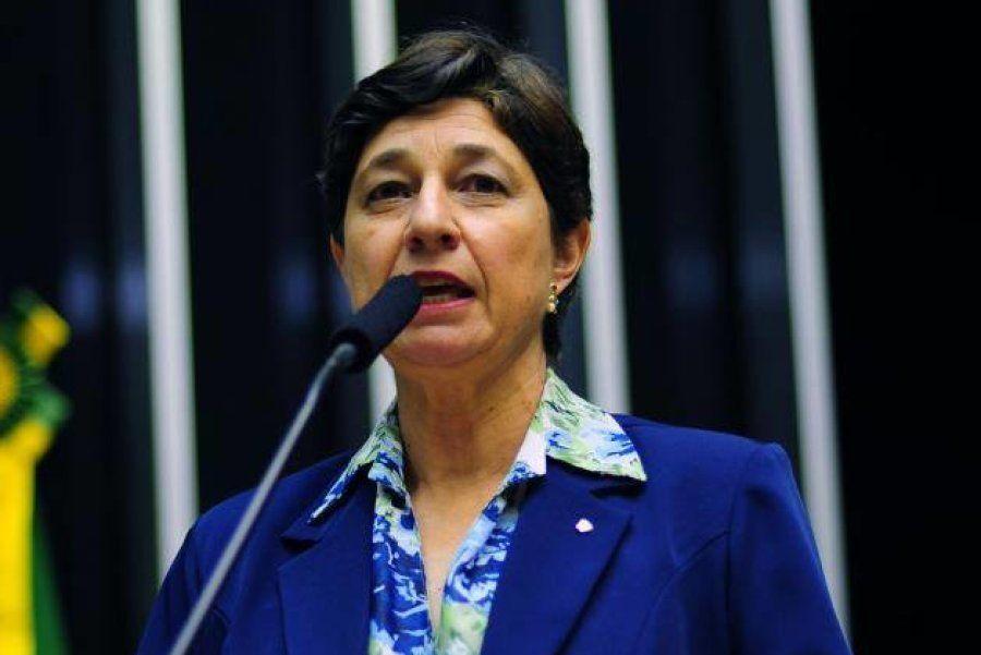 Lenise Garcia é doutora em microbiologia, professora da UnB e líder do Movimento Brasil Sem
