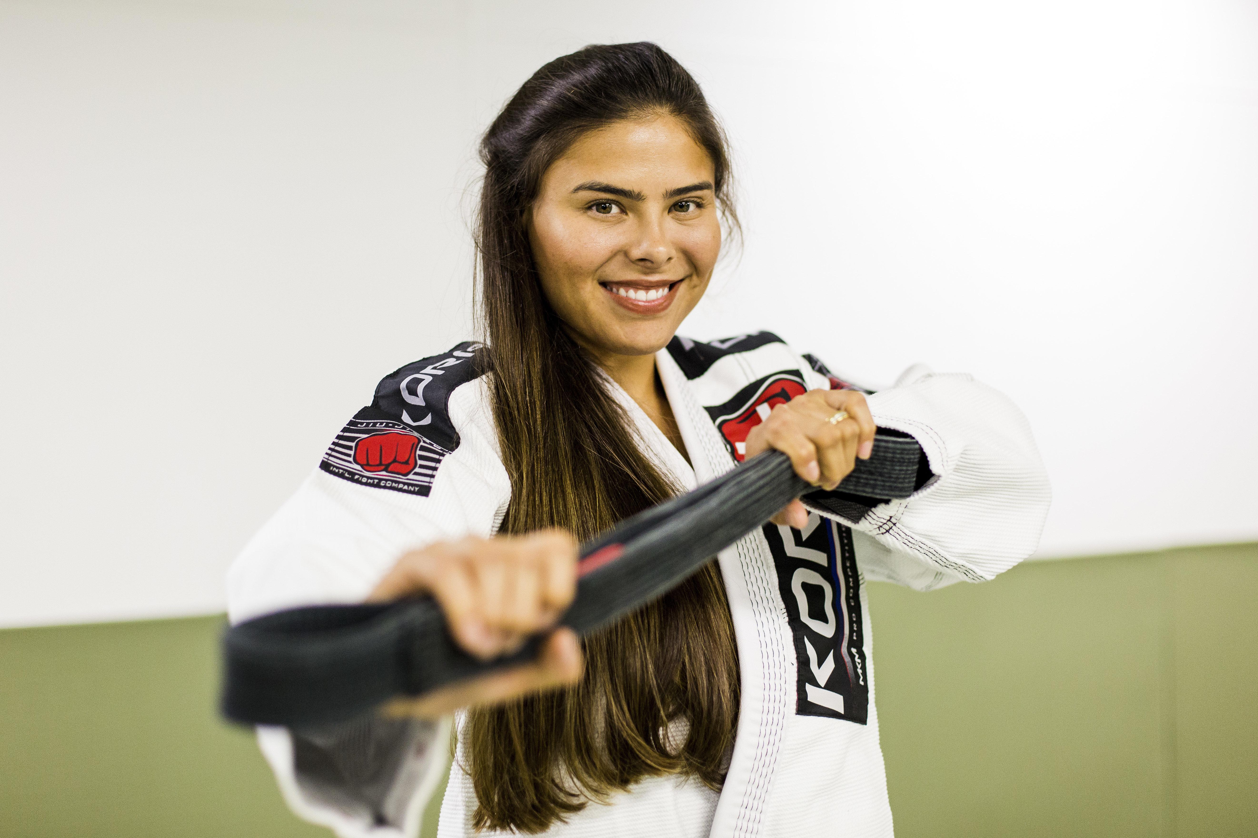 A modelo que virou campeã mundial de jiu-jitsu e botou 8 medalhas de ouro no