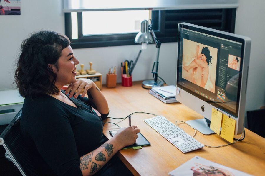 Priscila passou anos atuando na área de design, afastada dos desenhos. Até encontrar sua forma de se...