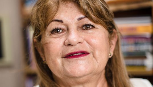 Maria Genu, a cabeleireira que se reencontrou na universidade após os