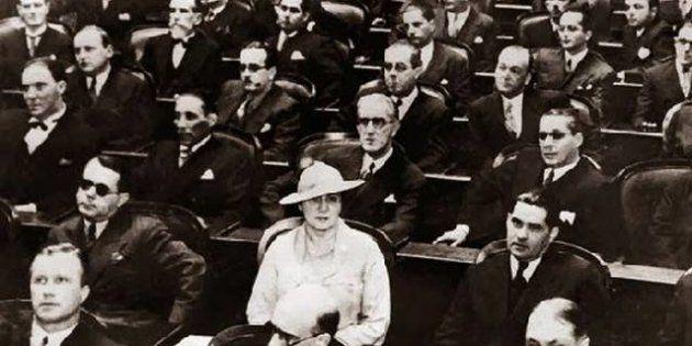 Em meio a um Congresso majoritariamente masculino, Carlota Pereira de Queirós foi a primeira deputada...