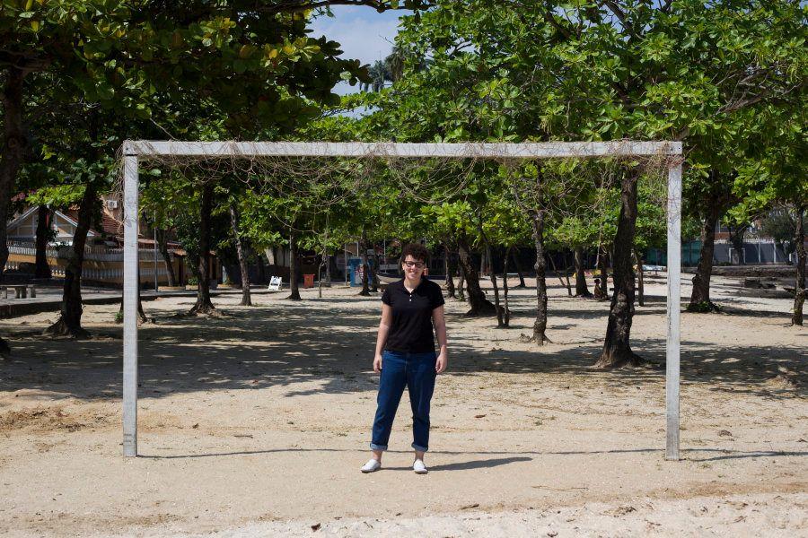 Jane Moura, a professora que ensina que futebol é coisa de