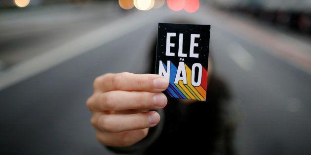 O ex-capitão passou de 18% das intenções de voto das brasileiras em 26 de setembro para 24% na pesquisa...