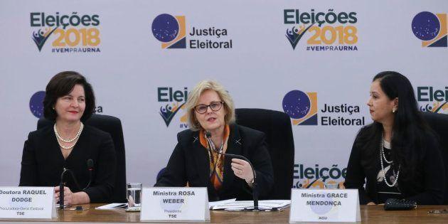 Raquel Dodge, Rosa Weber e Grace Mendonça em coletiva de imprensa sobre eleições