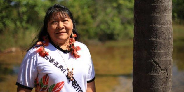 Com mais de 8 mil votos, ela foi eleita deputada federal e é a 1ª mulher indígena a ocupar o cargo em...