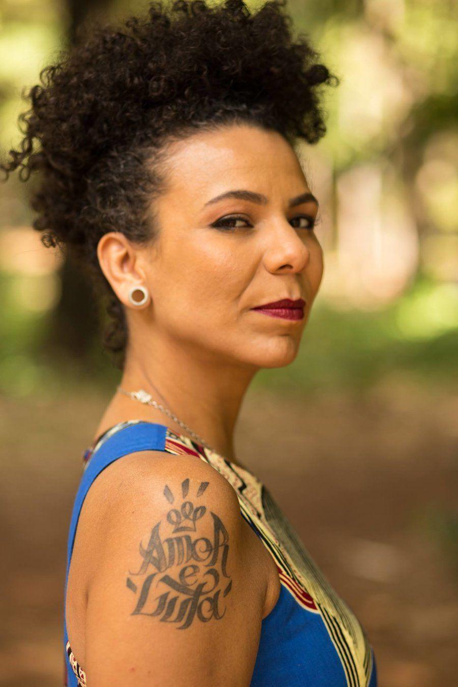 A vereadora de Belo Horizonte Áurea Carolina, do Psol, multiplicou quase dez vezes a votação que à levou...
