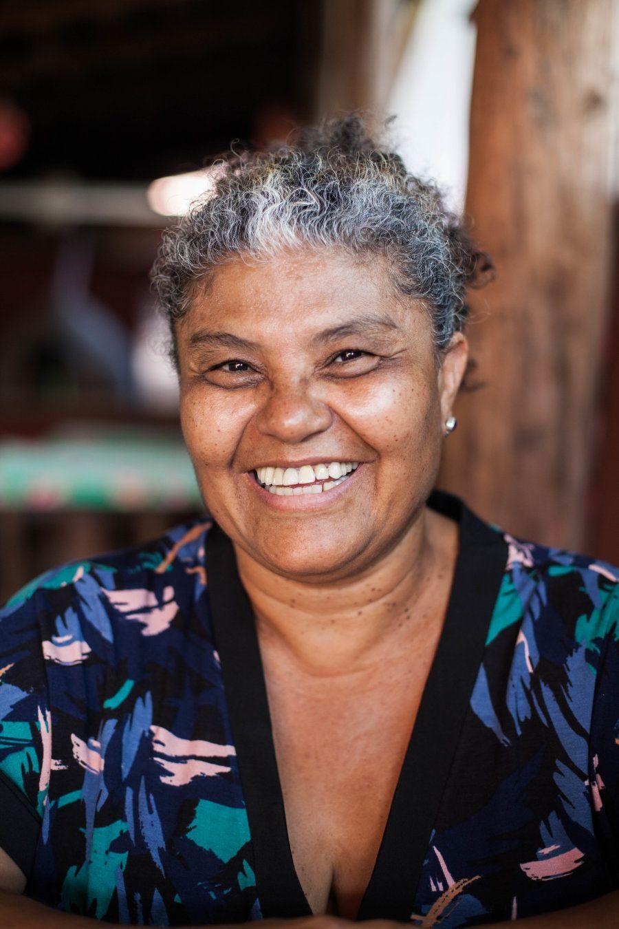 Ela conta que nasceu em uma vila, foi criada por gente que trabalhava com garimpo e conheceu de perto...