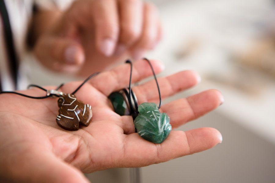 Muiraquitã é o nome dado pelos índios a pequenos amuletos trabalhados em forma de animal, geralmente