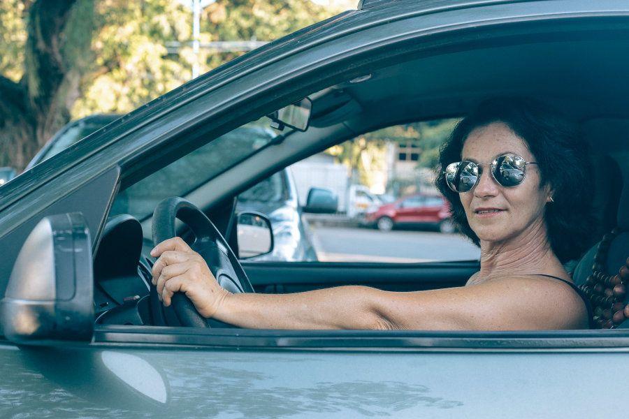 Vera é a única motorista de aplicativo mulher de Alagoinhas, na