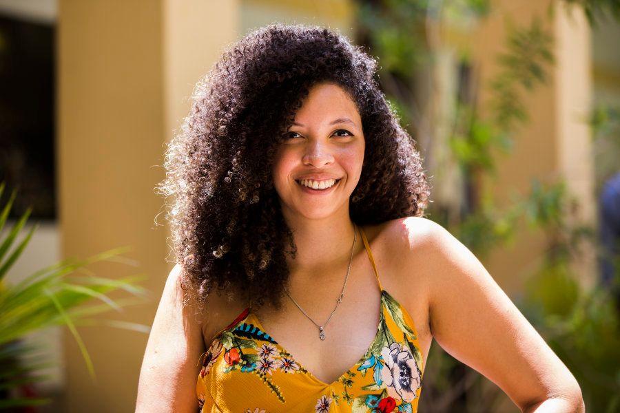 Junto com a irmã Monique, ela criou o RAP - Rede de Afro Profissionais, uma empresa de recrutamento com...