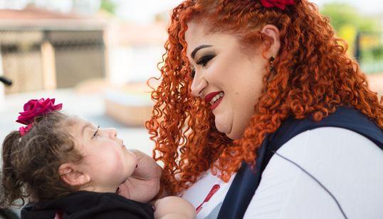 A mãe que luta por tratamento digno para a filha com