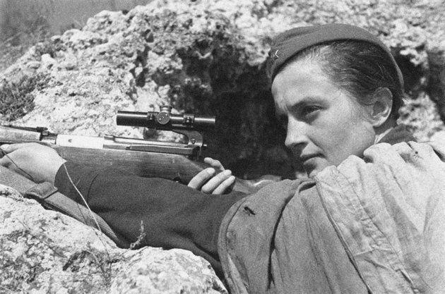A franco-atiradora Lyudmila Pavlichenko, que trabalhou de 1916 a