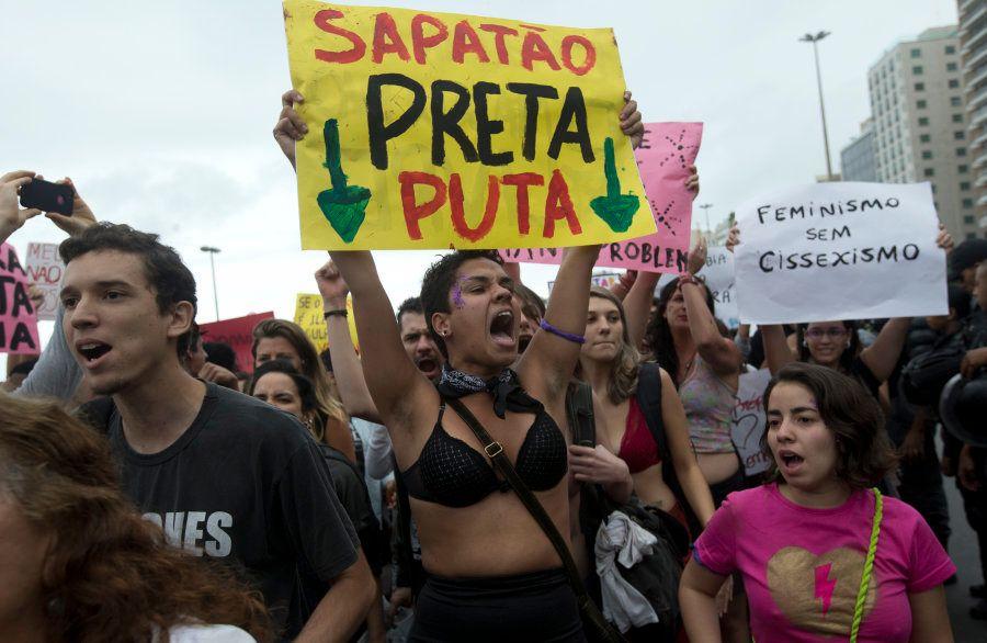 Em 2014, a Marcha das Vadias aconteceu em Copacabana, no Rio de