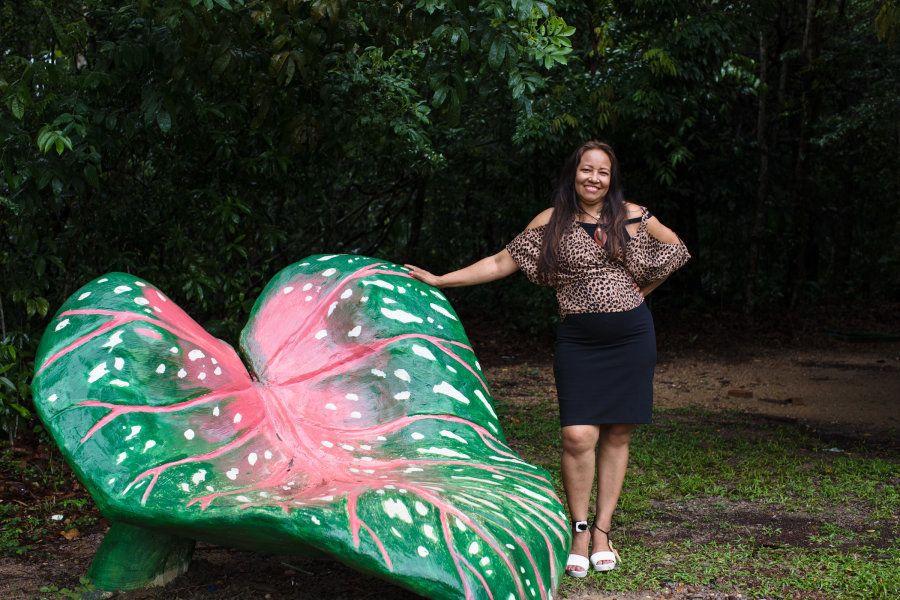 Escultura de Rosa dos Anjos que enfeita o