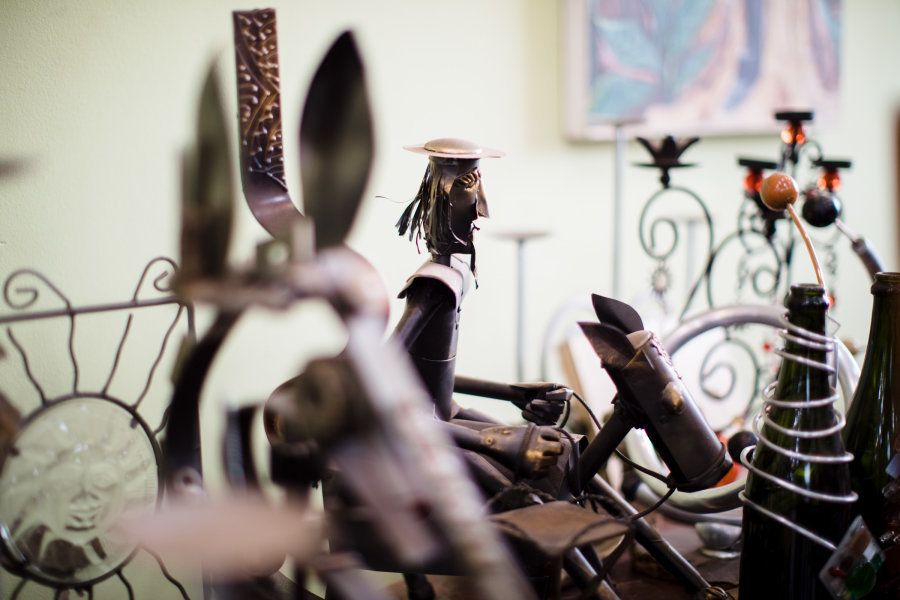 As esculturas que Rosa faz exaltam ao máximo a cultura ribeirinha e da fauna e flora