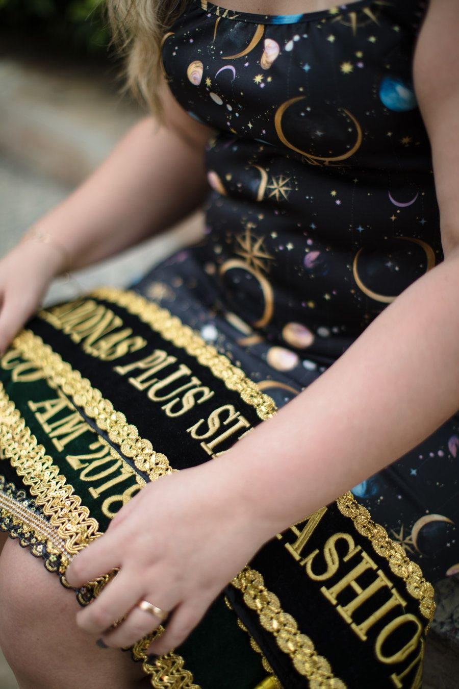 Hoje, ela exibe com orgulho a faixa de Miss Amazonas Plus Size