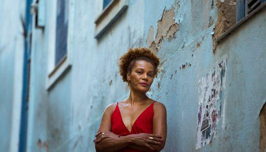 Marta D'Oyá, a voz feminina das rodas de samba do Rio de