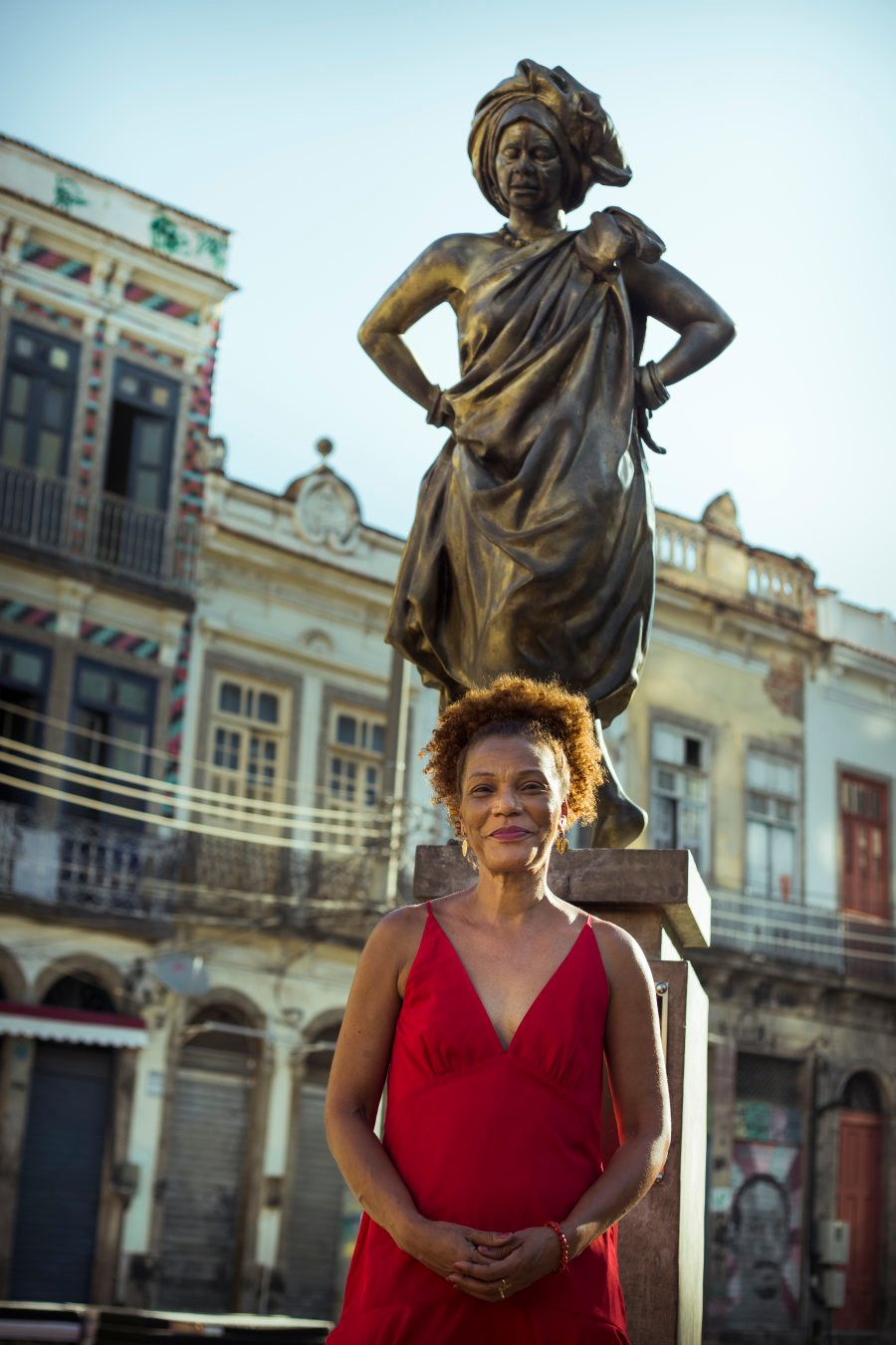 Mercedes Baptista (que ganhou estátua em sua homenagem) é considerada a precursora do balé e da dança...
