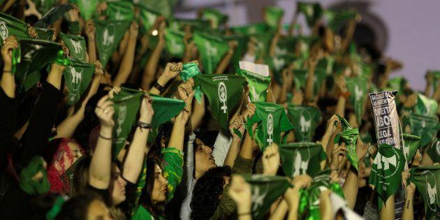 Ativistas pela descriminalização do aborto em protesto no Rio de Janeiro, em agosto de
