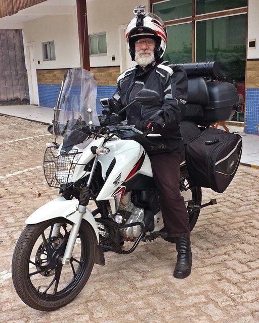 Serafín e a moto.