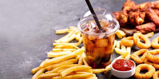 Correção: Eliminar alimentos processados do cardápio não te deixa mais saudável, diz