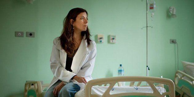 Para a Medicina, um assunto proibido. Para a dra. Ana Claudia Arantes, a morte de pacientes é a premissa...