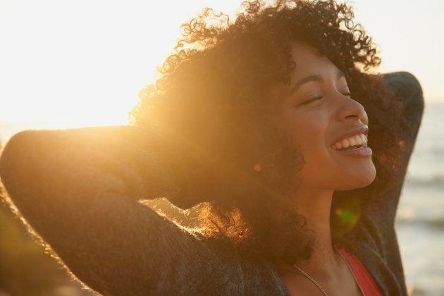 Encontre uma maneira construtiva de relaxar -- talvez caminhando na praia ou lendo à luz do