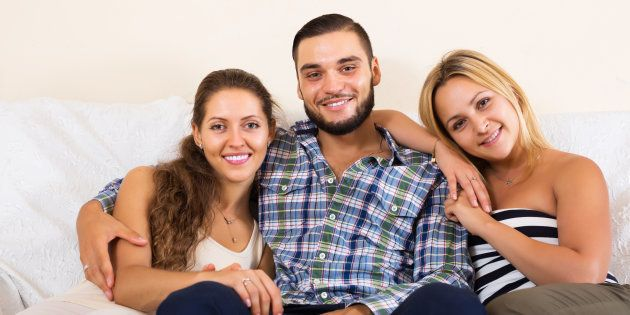 Poligamia: As mulheres também desejam viver a vida com mais de uma