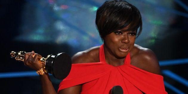 Viola Davis faz discurso ao ganhar seu primeiro Oscar