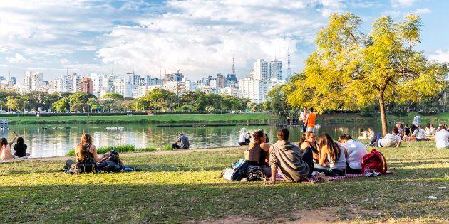 Ibirapuera é um dos maiores parques urbanos do Brasil.