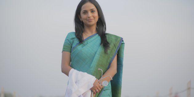Atriz Meinal Vaishnav interpreta a protagonista da trama, a Dr. Sneha